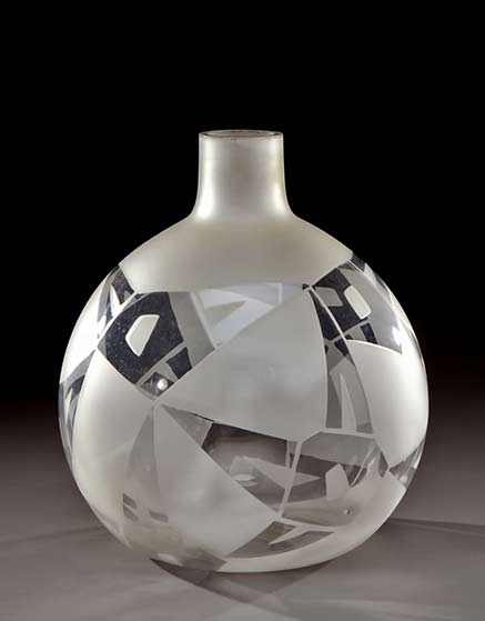 Spherical-vase with abstract geometric pattern with frosted and clear glass