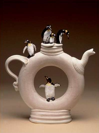 Penguin ring teapot