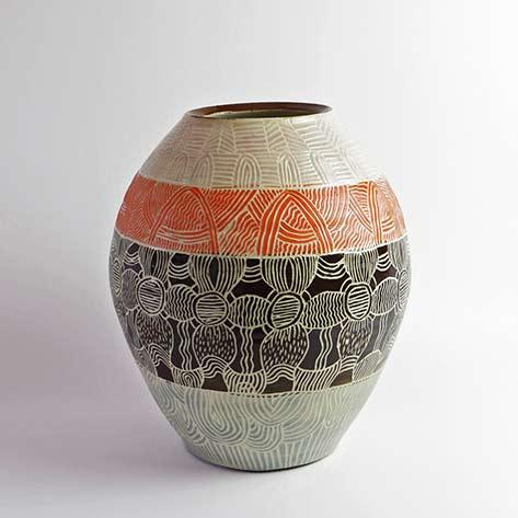 Ngayuku-Walka-VII,-2015,-ceramic pot