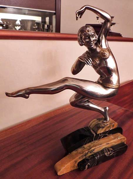 Harem-Dancer-Sculpture-by-Van-de-Voorde in bronze