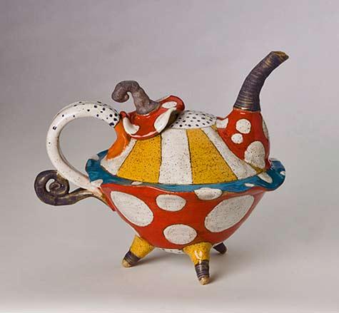 Dwo-Wen-Chen whinsical teapot