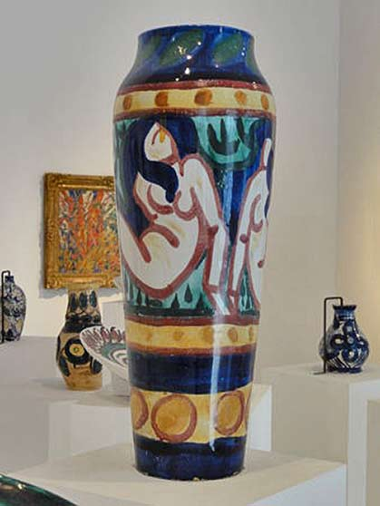 André-Derain-1907 - fauves vase with naked female figure motif