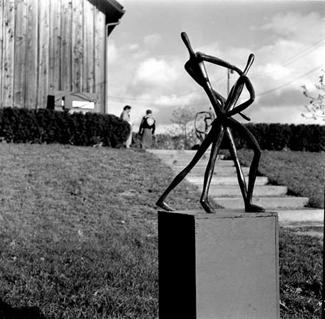 Mary-Callery,-Sculpture of two abstract figures----Gordon-Parks-1952