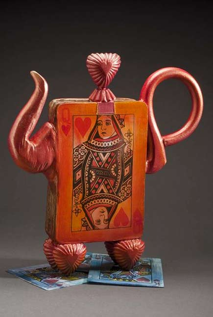 Meryl-Ruth..queen of hearts teapot