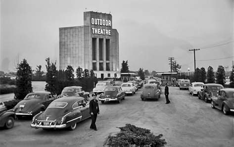 Chicago outdoor drive in theater Francis-Miller-1951