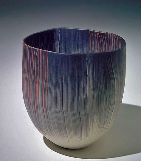 Thomas-Hoadley-used-the-Japanese-technique-of-nerikomi-to-create-the-delicate-lines-of-color-in-this----vessel