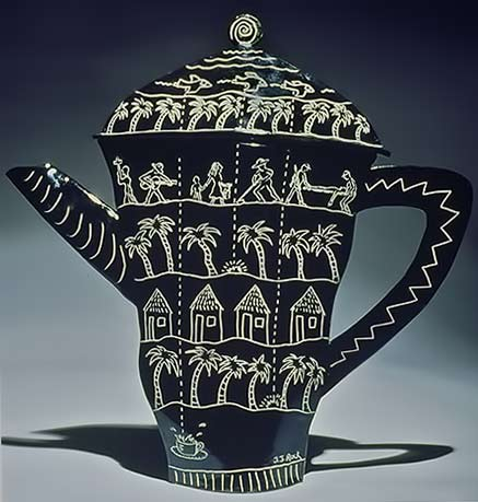joellynrock_ceramic--(Nicaraguan-Coffee-Break) black and white teapot