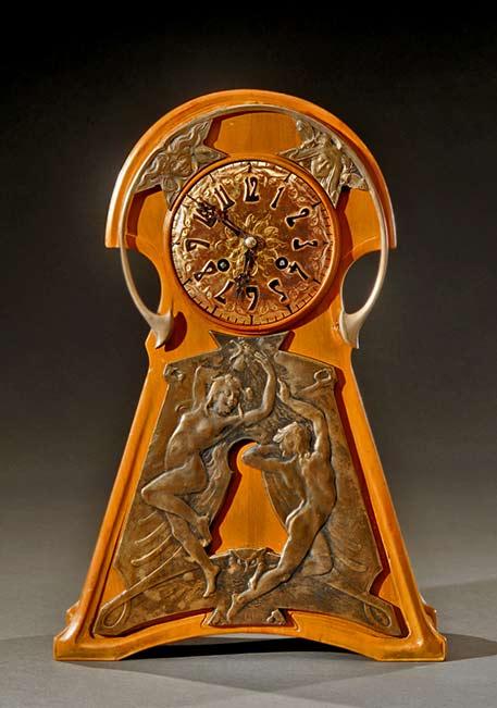 mahogany-table-clock-with-a-bronze-ornamentation