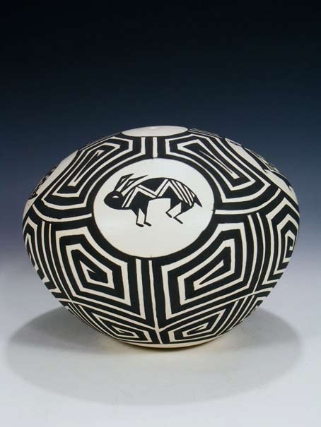 Black and white geometric patterned Acoma Pueblo Hand Coiled Pottery Seed Pot - JM Shativa Peublo Direct