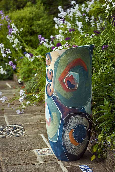 Large abstract vase in the garden - Carolyn-Genders