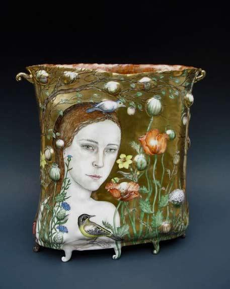 Irina-Zaytceva-porcelain-art vase on small feet