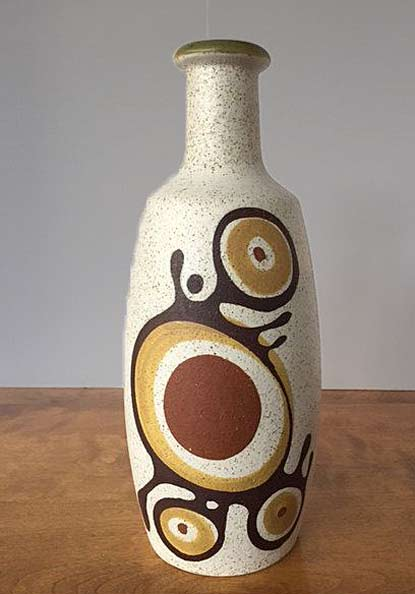Lapid-Mid-Century-Pottery vessel with abstract motif