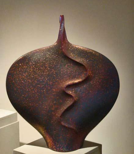 Joan-Carrillo stingray form vase