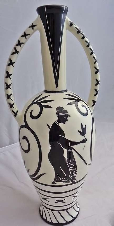 Rometti-twin-handled-vase-Greek classical motif in black on white