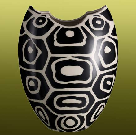 Rometti_2017_vaso_tartaruga_nero turtle shell pattern in black and white