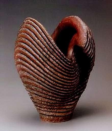 Yamamoto Izuru wavy ribbed anagama vase