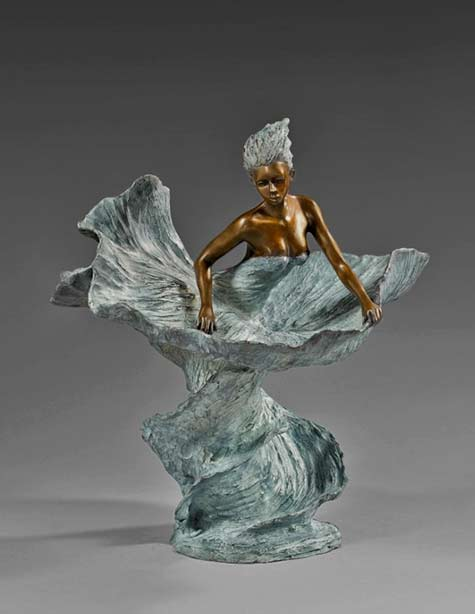 Annabelle---Nathalie-Seguin-ceramic sculpture bronze colour naked female figure