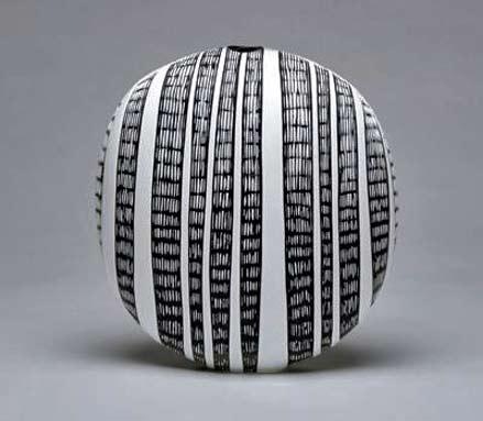 Benjamin-Sewell,-black and white striped vessel-David-Richard-Contemporary
