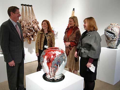 Gareth-Mason-ceramic pot-Mindy-Solomon-gallery