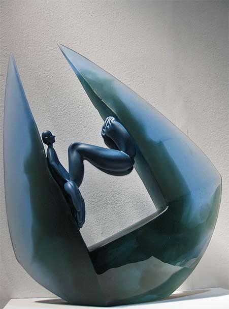 Kirra-Galleries---Crystal-Stubbs-glass sculpture