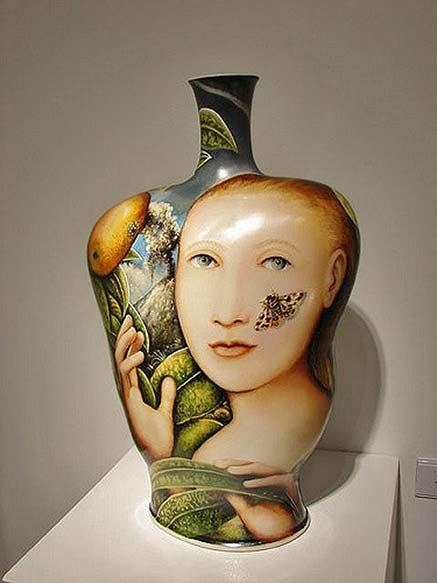 Kurt-Weiser---Princess-ceramic-bottle---Ferrin-Gallery