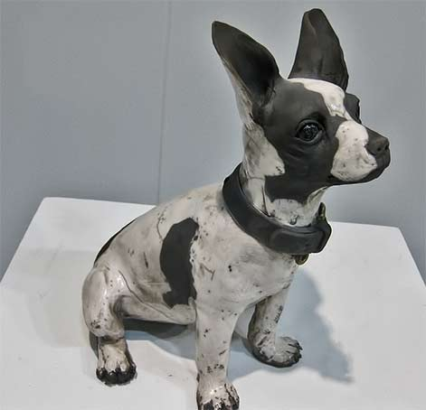 Lacoste-Gallery---Ronnie-Gould-ceramic-dog
