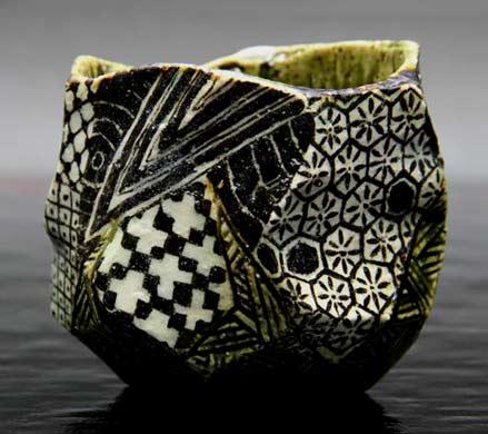 Masato-Yamaguchi---geometric-design-tea-bowl