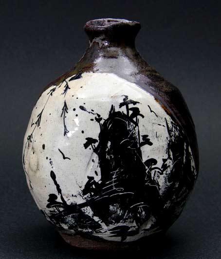 Shogo Ikeda ceramic bottle black on white motif