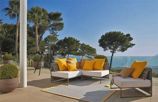 Sifas-Kalife-outdoor-seating