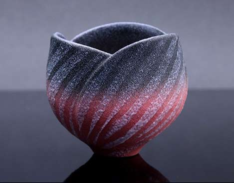 Yotaro-Takemura-striped-tea-cup in pink, grey and white speckled stripes