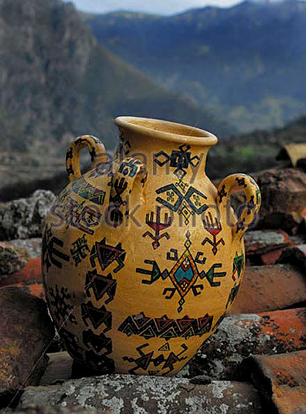 Algeria,-Kabylia,-Kabyle-pottery in mountains