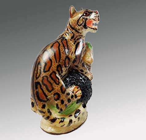 Beautiful-figurine-of-Ocelote-carved-in-Tagua nut