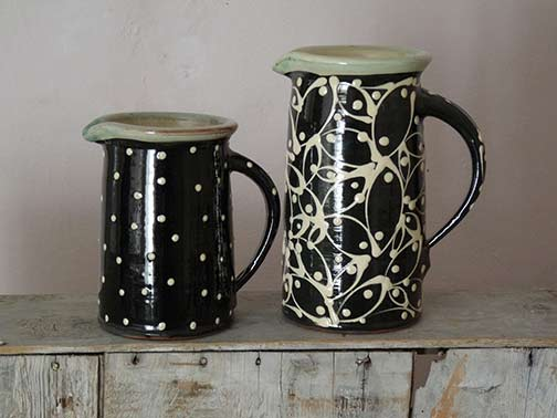 Britta-Mikasch-ceramic-jugs in black and white