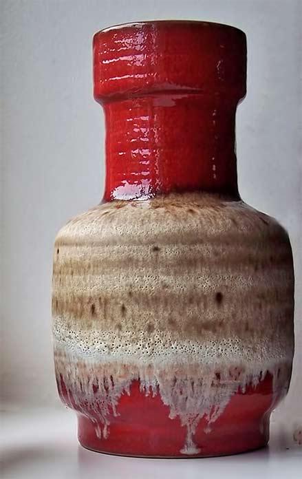 Carstens-Tönnieshof-Fat-Lava-Vase red glaze