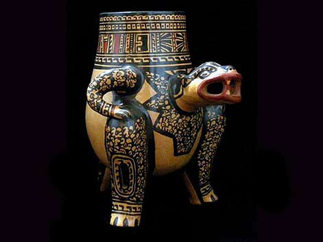 Chorotega-indigenous-art-collection--A-Jaguar-Pot