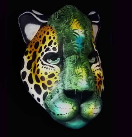 Forest-Cat--Another-great-Brunka-mask-carved-and-painted-by-the-artist-Melvin-Gonzalez