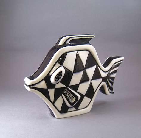Gunnar-Nylund,-Rörstrand black and white ceramic fish