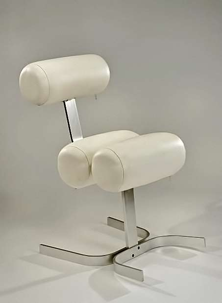 Pierre-Vandel,-1970 white leather contemporary chair
