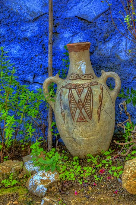 Rif pottery vessel