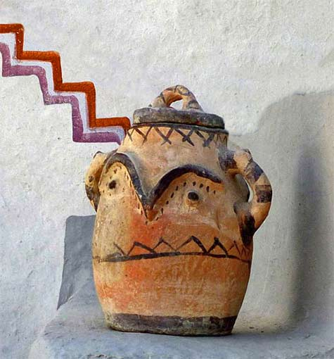 Lidded pottery jar from-the-Rif,-Taounate