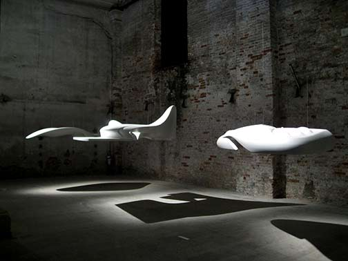 Zaha-Hadid,-visionary-and-projected-on-technical-experiments