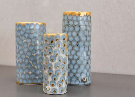 bertholon-stephanie-light blue-vases reptile patterns