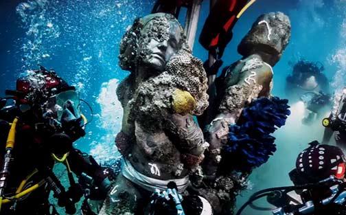 damien-hirst-underwater treasures-from-the-wreck-unbelievable