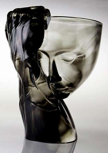 Art-Glass-by-Tittot - Glass hand holding a bowl