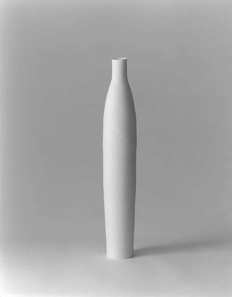 Ceramic bottle-by-Taizo-Kuroda