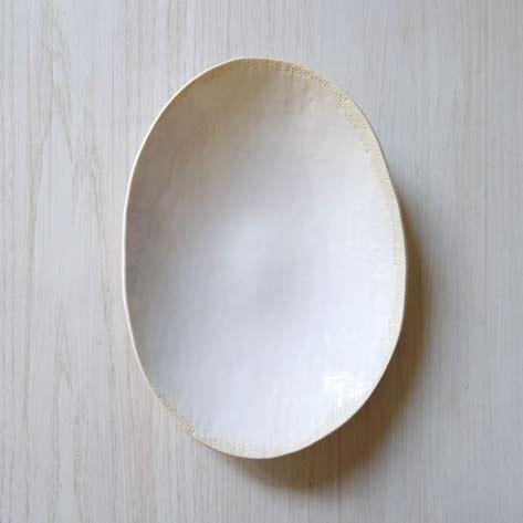 Elephant-Ceramics-white-ovoid plate