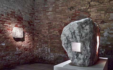 Contemporary sculpture Elogio-de-la-luz-XX,-1990.-Eduardo-CHILLIDA- Photo - Jean-Pierre Gabriel