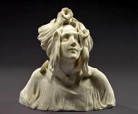 Femme-en-buste-aux-liserons Italian Liberation white marble female bust by Fortuny