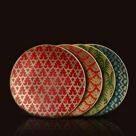 Fortuny's-collaborated-with-L'Objet-to-produce-these-gorgeous-canape-plates-reminiscent-of-old-world-Venetian-textiles.