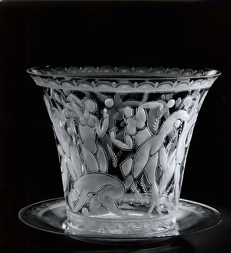 Girls Playing Ball, Vase with Tray - Edward Vald for Orrefors Glasbruk - 1920